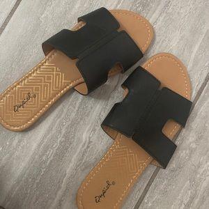 Qupid Black Sandals ✨